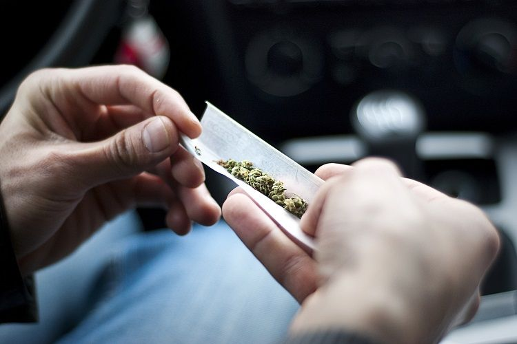 With No Breathalyzer Alternative, How Can Los Angeles Police Catch Marijuana-Using Drivers?